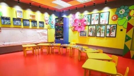 杨梅红教育杨梅红国际私立美校(成都中科校区)