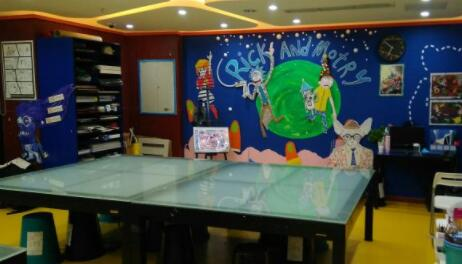 杨梅红教育杨梅红国际私立美校(杭州欢乐城校区)